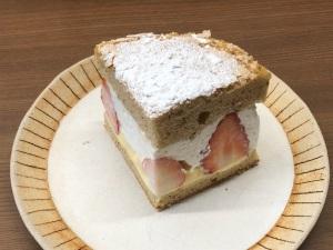 紅茶と苺のショートケーキ